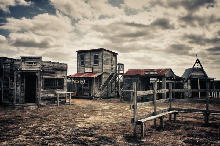 J.Lorraine-Ghost-Town